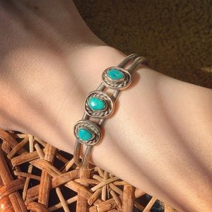 Vintage 60s  Navajo Native Sterling Turquoise Cuff